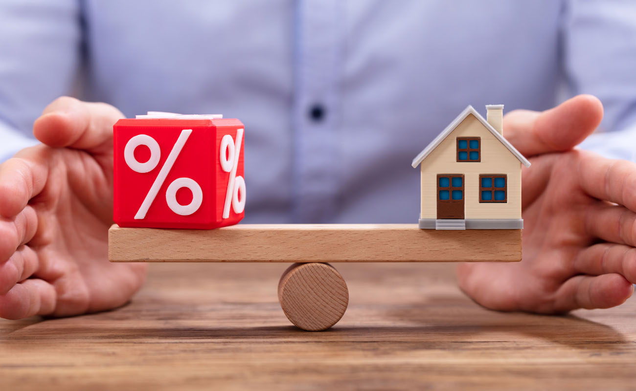 Balancing interest rate and house.