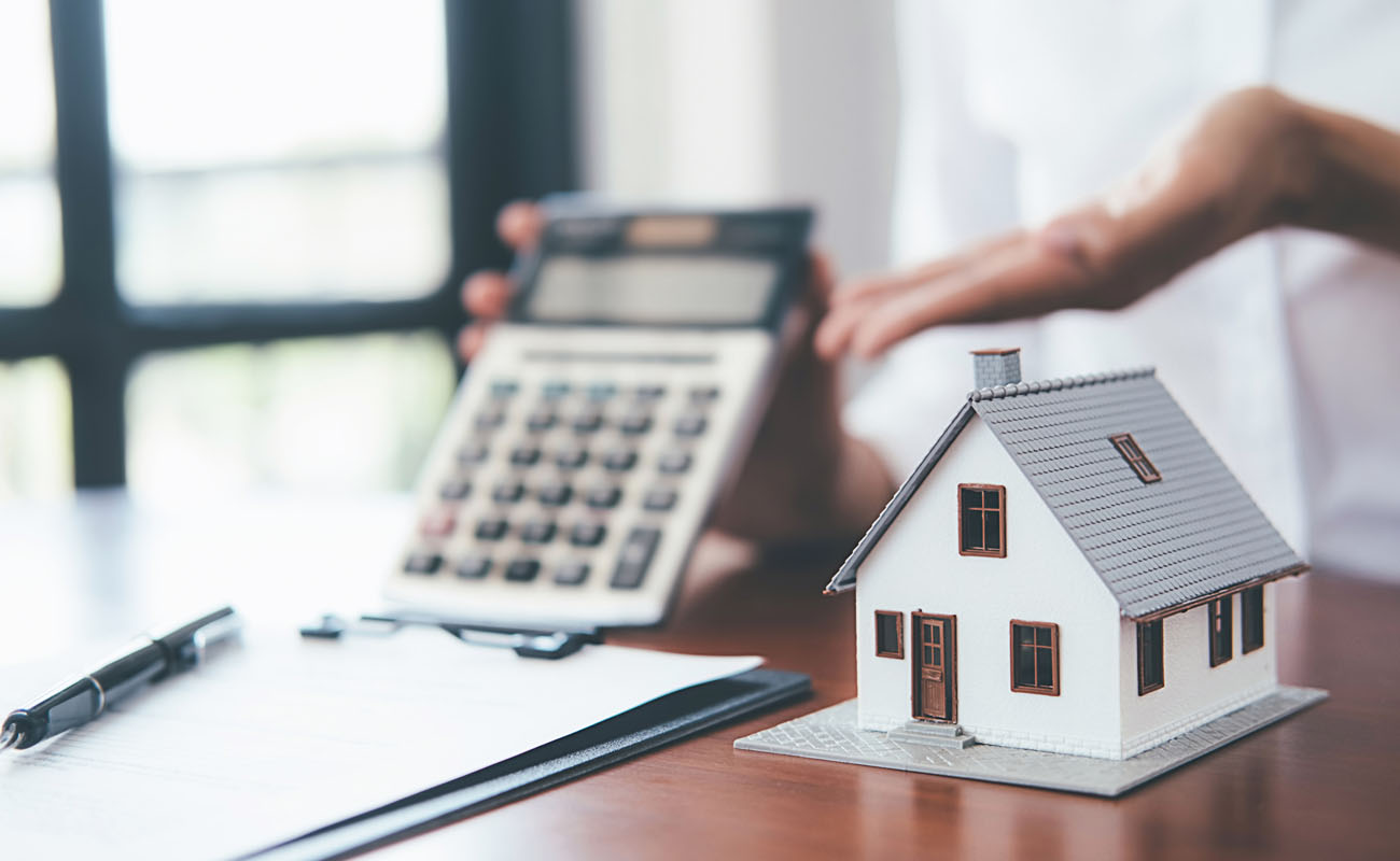 Showing calculator with mortgage discount.